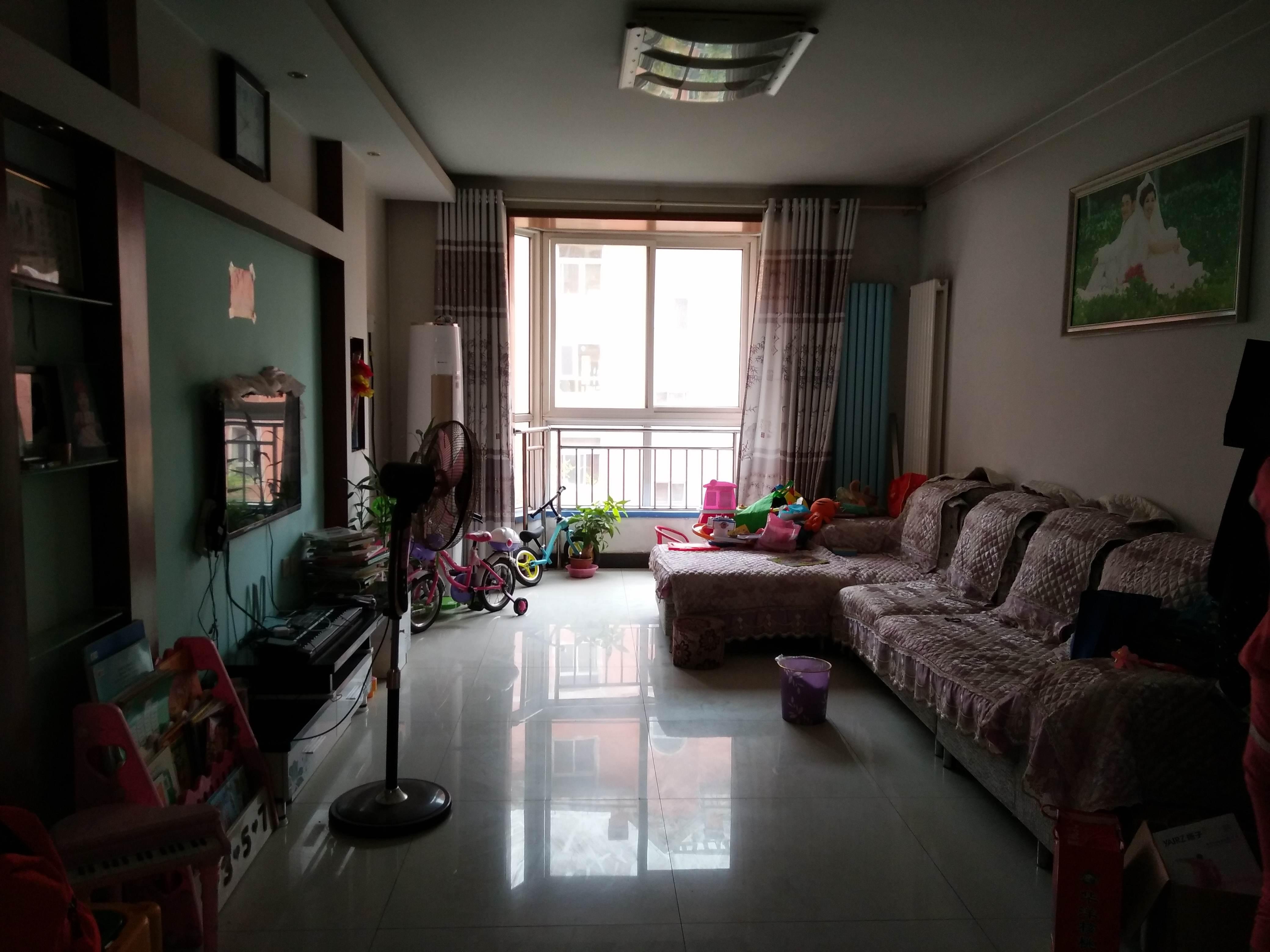龙泉花园(东区)3室2厅2卫154㎡