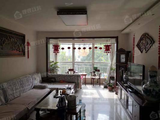 华城绿洲3室2厅2卫138㎡